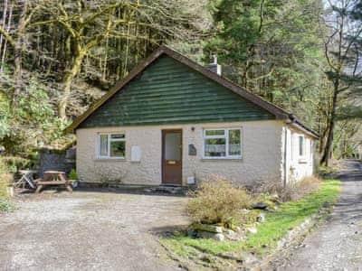 Charming holiday home | The Glen, Pontrhydygroes, Devils Bridge