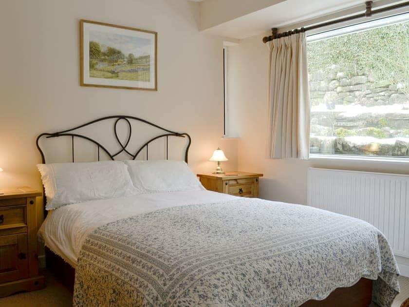 Comfy double bedroom   Polly's Fold, Grassington