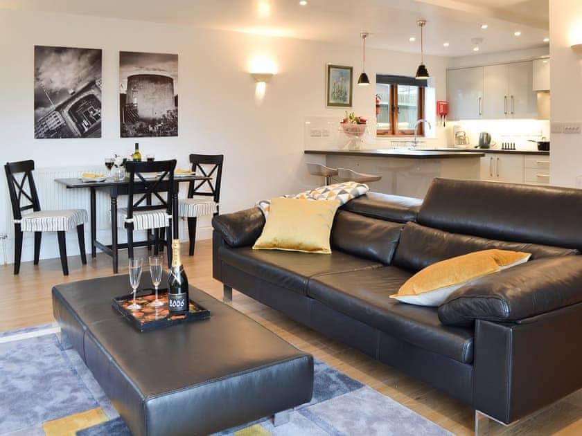 Comfortable leather furniture | Windmill Barn, Windmill Hill, near Hailsham