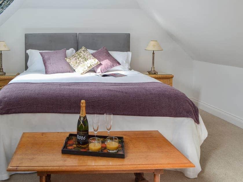 Cosy and inviting double bedroom | Windmill Barn, Windmill Hill, near Hailsham