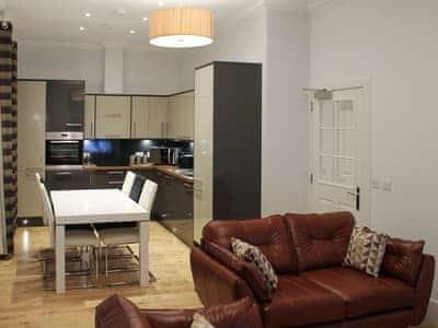 Spacious living area | Apartment 5 - Ardconnel Court Apartments, Inverness