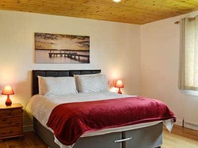 Relaxing double bedroom with en-suite shower room | Silver Dee, Crossmichael, near Castle Douglas