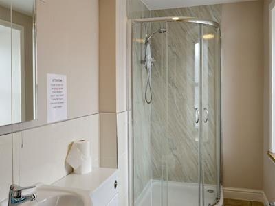 En-suite shower room | Islay - Portpatrick Holiday Homes, Portpatrick, near Stranraer