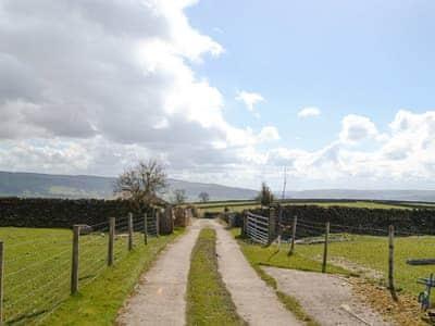 Approach to property through beautiful countryside | Hutter Hill Barn East, Silsden near Skipton