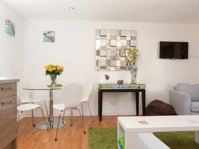 Convenient dining area | Little Hillside, Dartmouth
