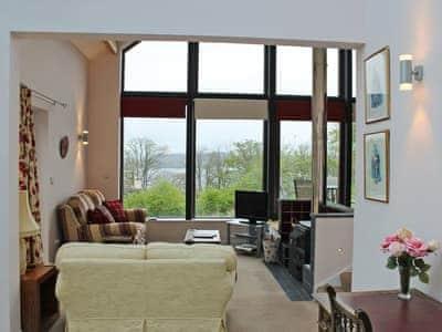 Light and airy living area | Achabeg, Inverlussa, near Achnamara