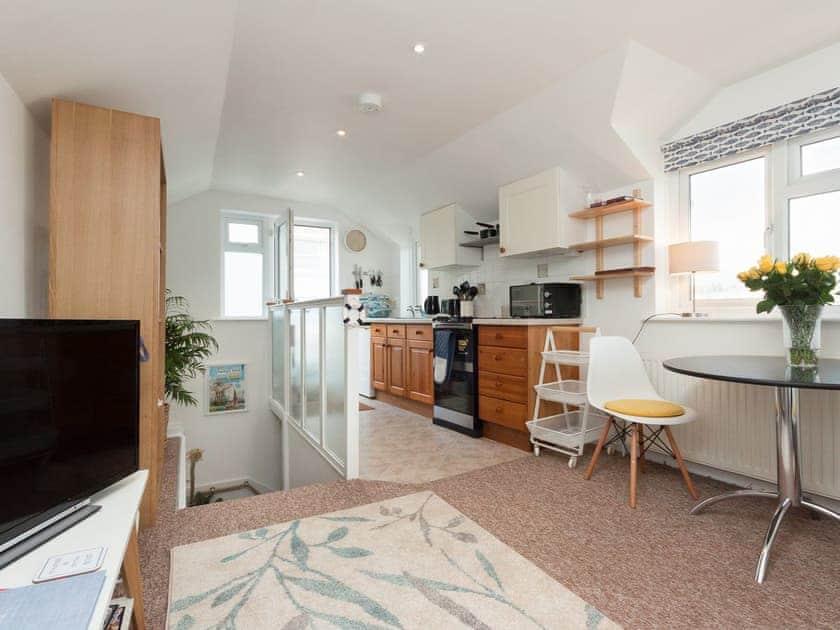Attractive open-plan living space | College View Upper, Kingswear