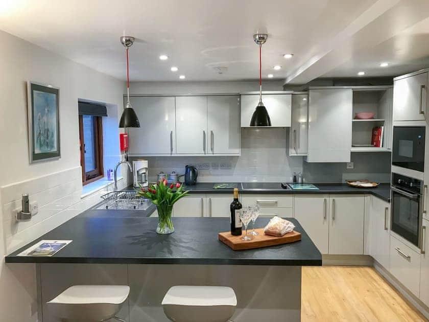 Contemporary styled kitchen | Windmill Barn, Windmill Hill, near Hailsham