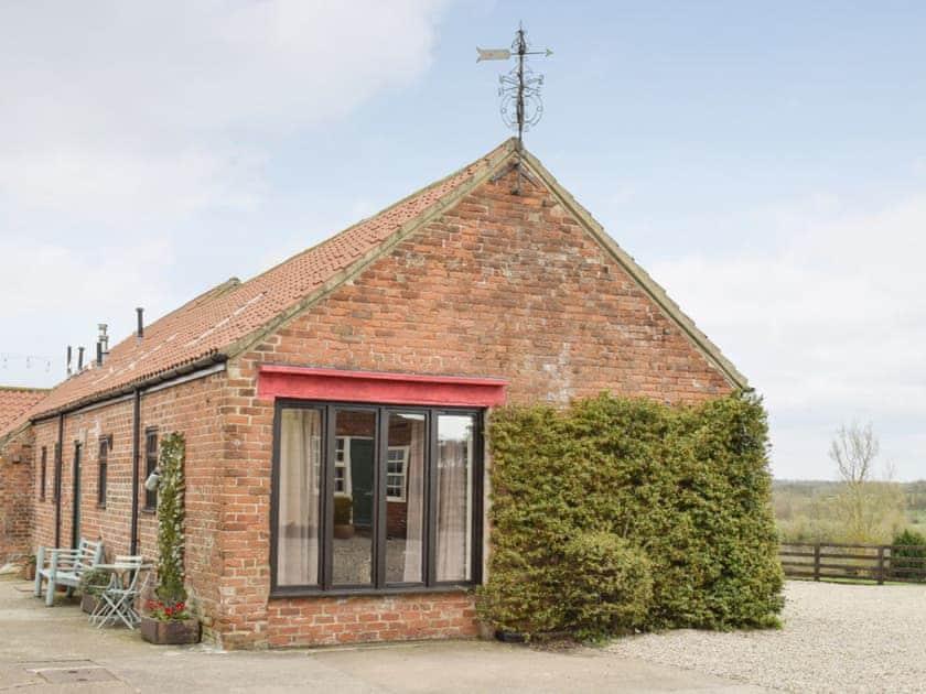 Hill House Farm Cottages - Buttercup Cottage