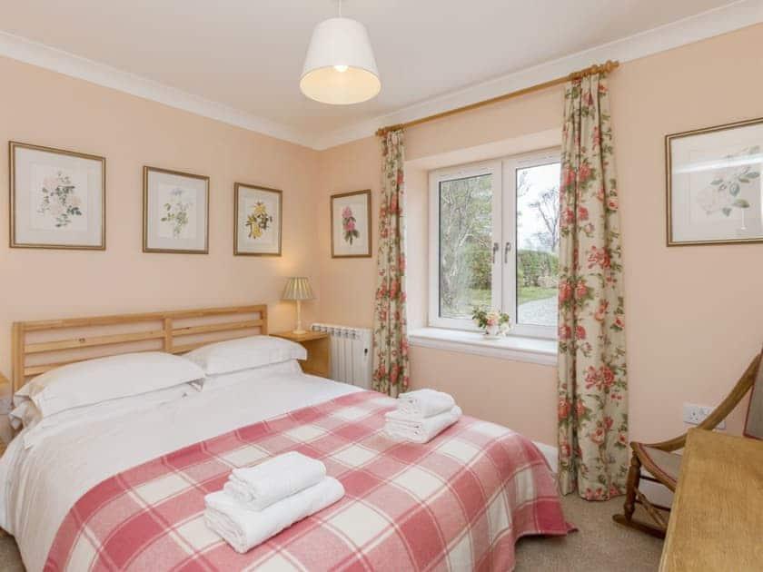 Charming double bedroom | Kames Beach House, Kilmelford, near Oban