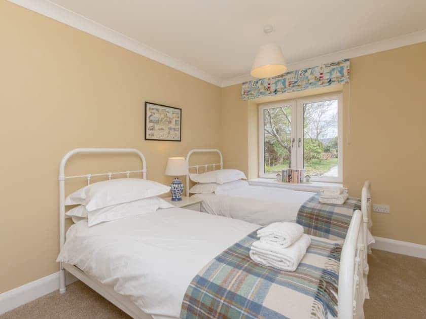 Delightful twin bedroom | Kames Beach House, Kilmelford, near Oban