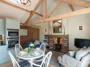 Ham Hall Cottages - Daisy Cottage