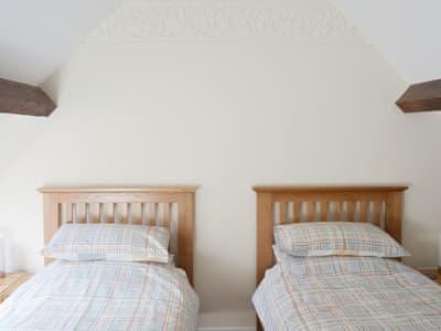 Twin bedroom | The Croft, Windermere