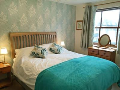 Elegant double bedroom | Limetrees - Hewetson Court - Hewetson Court, Keswick