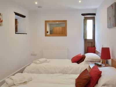 Cosy twin bedroom | The Mistal - Old Barn Holidays, Newby Bridge, near Ulverston