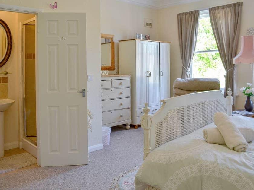 Double bedroom with en-suite shower room | Butterfly Lodge, Bridlington
