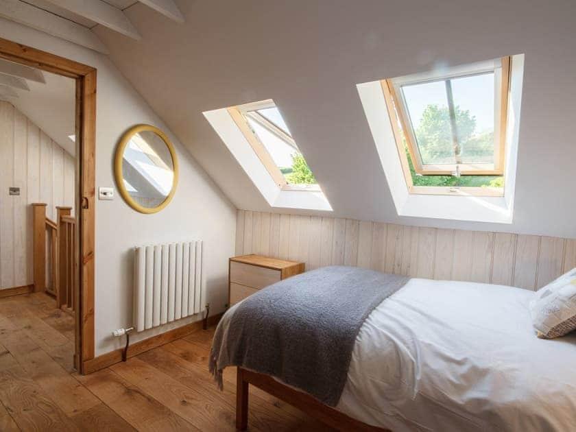 Twin bedroom   The Cider Barn at Emmings Farm, Elton, Newnham-on-Severn