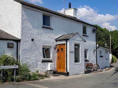 Traditional Lakeland cottage close to Grange-over-Sands and Windermere   Mariner's Cottage, Lindale, near Grange-over-Sands