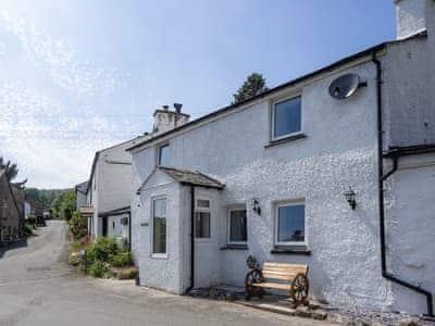 Lovely sunny holiday property   Mariner's Cottage, Lindale, near Grange-over-Sands