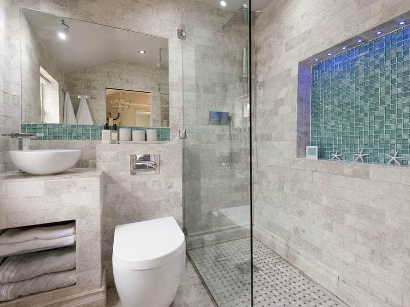 Shower room   Joll's Cottage, Greetham, near Horncastle