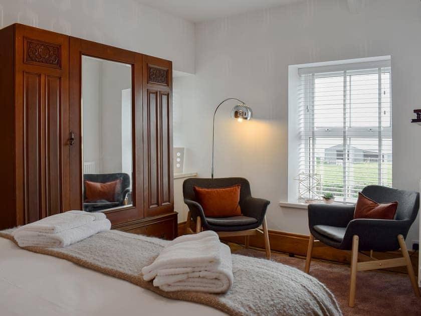 Spacious double bedroom   Pensarnau, Sarnau, near Tresaith