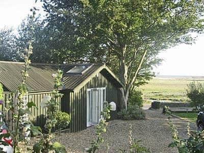 The Apple House, Salthouse
