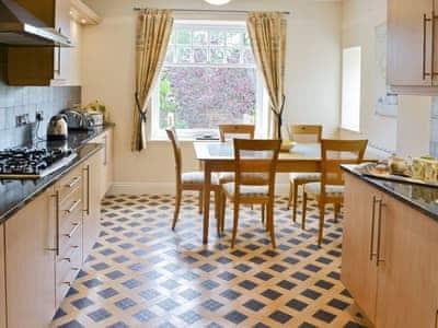 Kitchen/diner | Old Heathwaite - High Mere, Windermere