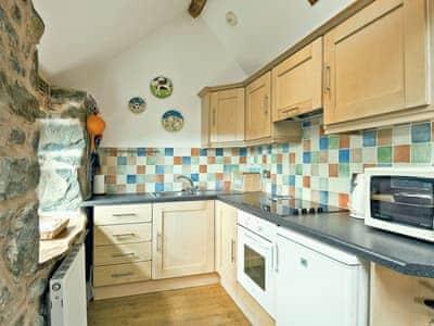 Kitchen | Llofft Stabal, Llanerfyl