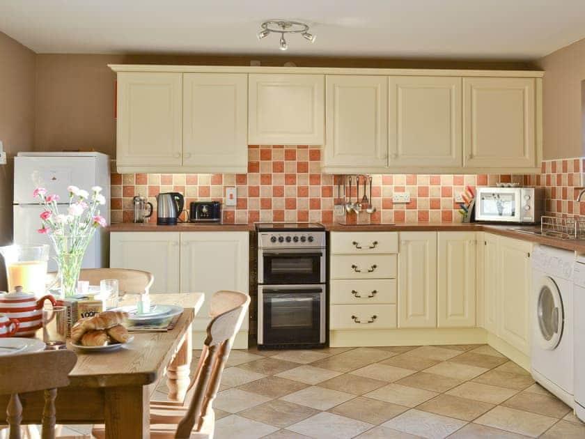 Kitchen/diner | Cefnllaethdre - The Stables, Glynarthen, nr. Cardigan