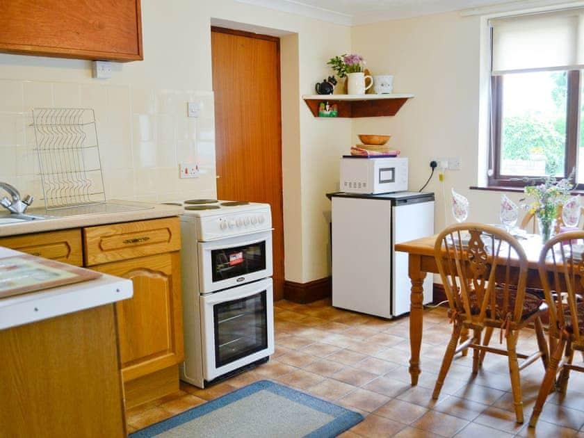 Kitchen/diner | Greenmeadow Bungalow, Llanon, nr. Aberaeron