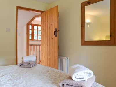Spacious double bedroom | Acorn Cottage - Kirkburn Cottages, Kirkburn, near Driffield