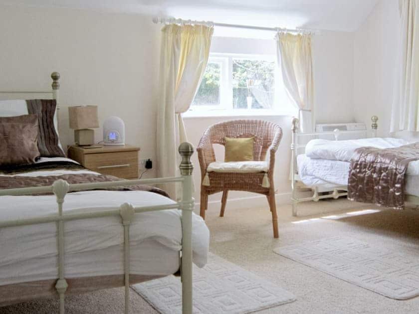 Twin bedroom | Trewethen - Orchard Cottage, Tregatta, nr. Tintagel