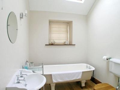 Bathroom   Woodcarvers Workshop, Kirkbymoorside