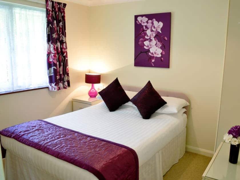 Double bedroom | Rosecraddoc Holiday Village - Trevarno, Liskeard