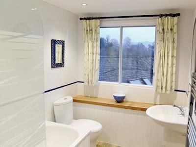 Bathroom   Tuckenhay Mill - Mill Leat, Bow Creek, between Dartmouth and Totnes