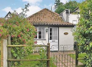 Scarning Dale Cottages - Rose Cottage