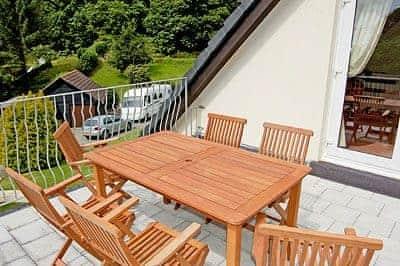 Sitting-out-area | Rosecraddoc Manor - Riverside Villa, Liskeard