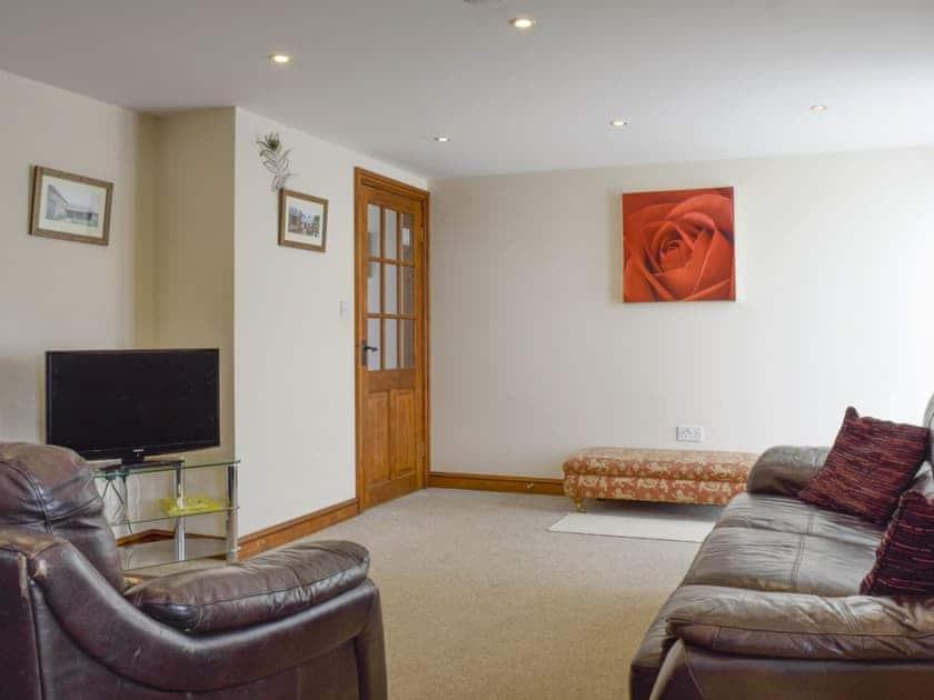 Spacious living area | Whitsun Brook - Brookfields, Abbots Lench, near Evesham