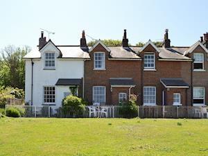 2 Fort Victoria Cottage