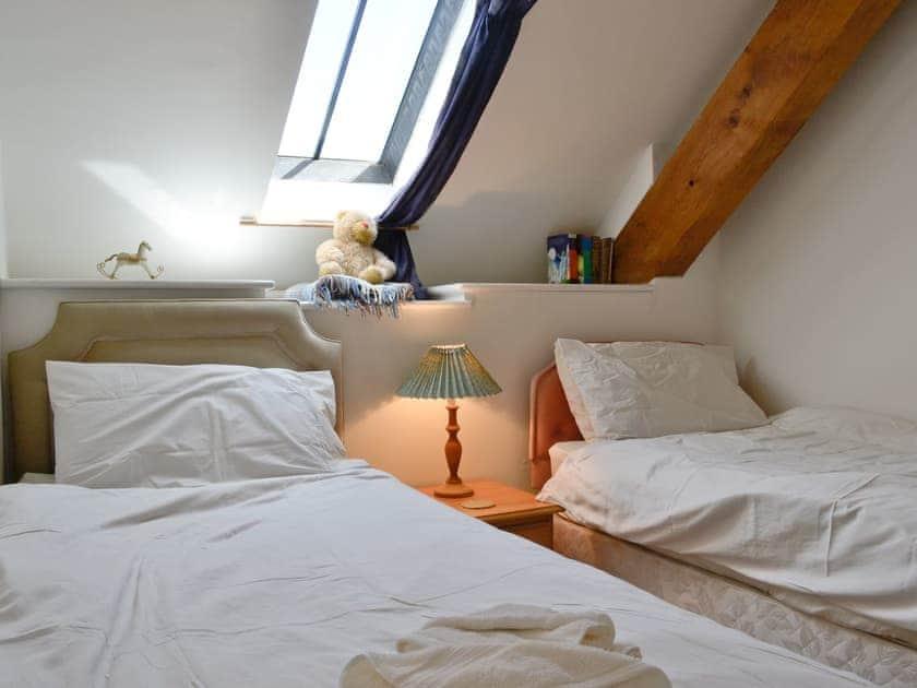 Twin bedroom   The Granary - Alta Lyn Barns, Lynton