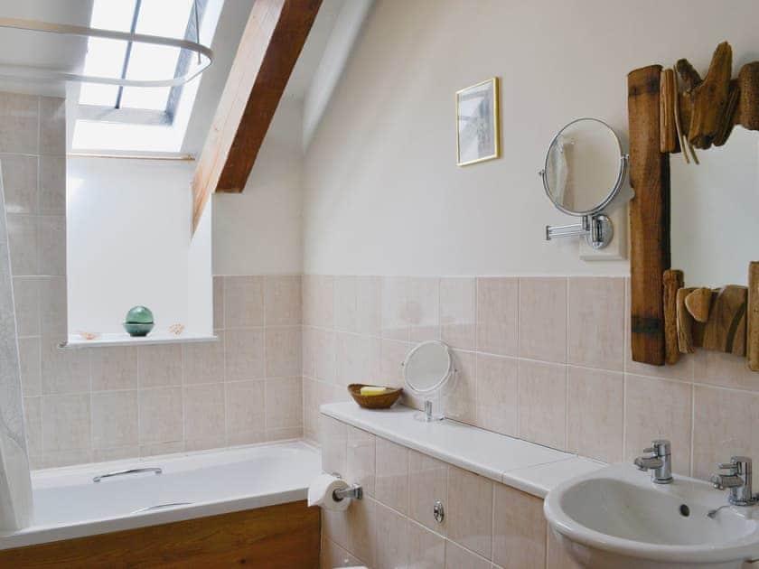 Bathroom   Bat Roost - Alta Lyn Barns, Lynton