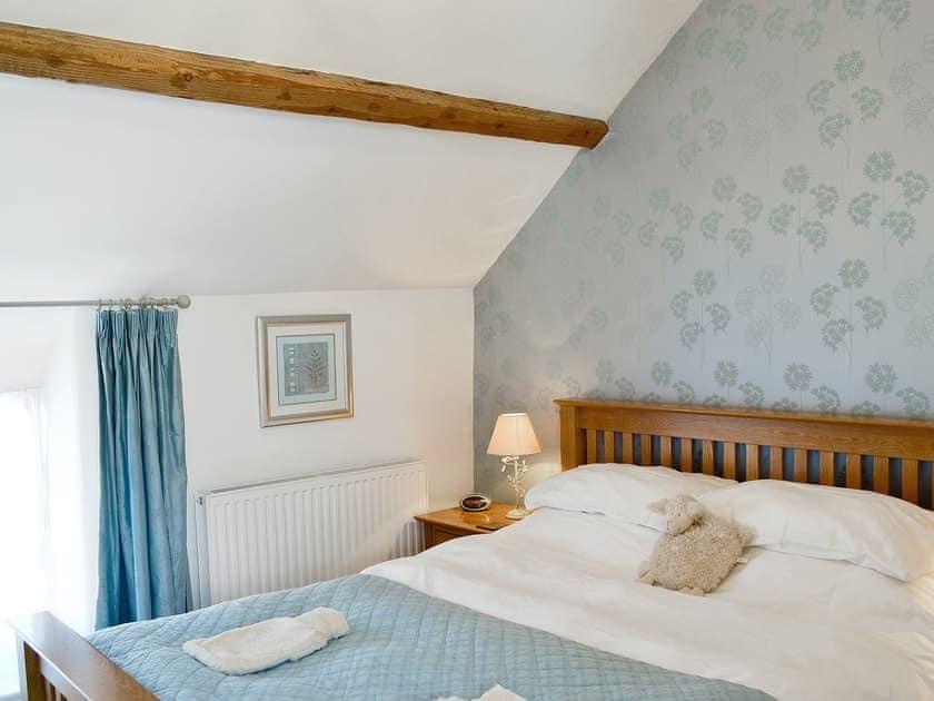 Double bedroom   Honeysuckle Cottage, Helmsley, York