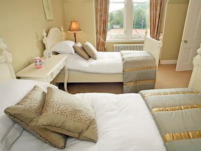 Twin bedroom   Glenfern, Kingussie