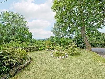 Garden and grounds | Talherian, Gilwern, nr. Abergavenny