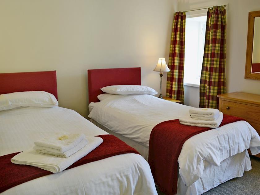 Cosy twin bedroom | Beech Cottage - Mountherrick Holiday Cottages, Crawfordjohn, near Biggar