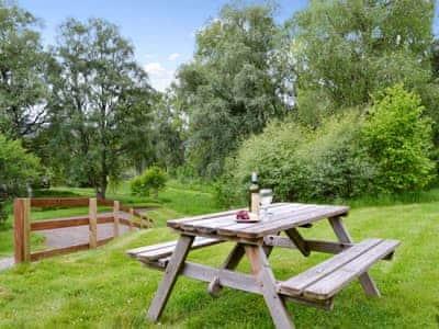 Sitting out area | Aspen Chalet, Glenmoriston, by Loch Ness