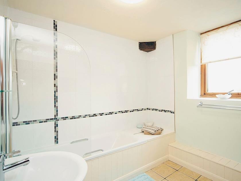 Bathroom | Hyssop Cottage - Nethway Farm, Kingswear