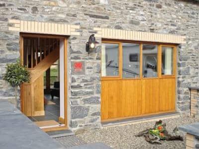 Exterior | Bwthyn Celyn, Ystrad Meurig