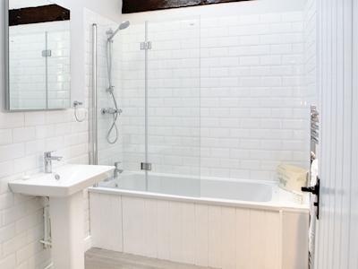 Bathroom | Scalby Lodge Farm - Springthorpe Cottage, Scalby, Scarborough