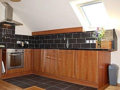 Kitchen | Greetham Retreat - Laura's Loft, Lincolnshire Wolds, nr. Horncastle